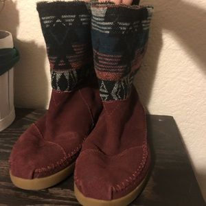 TOMS Boots, Maroon Color